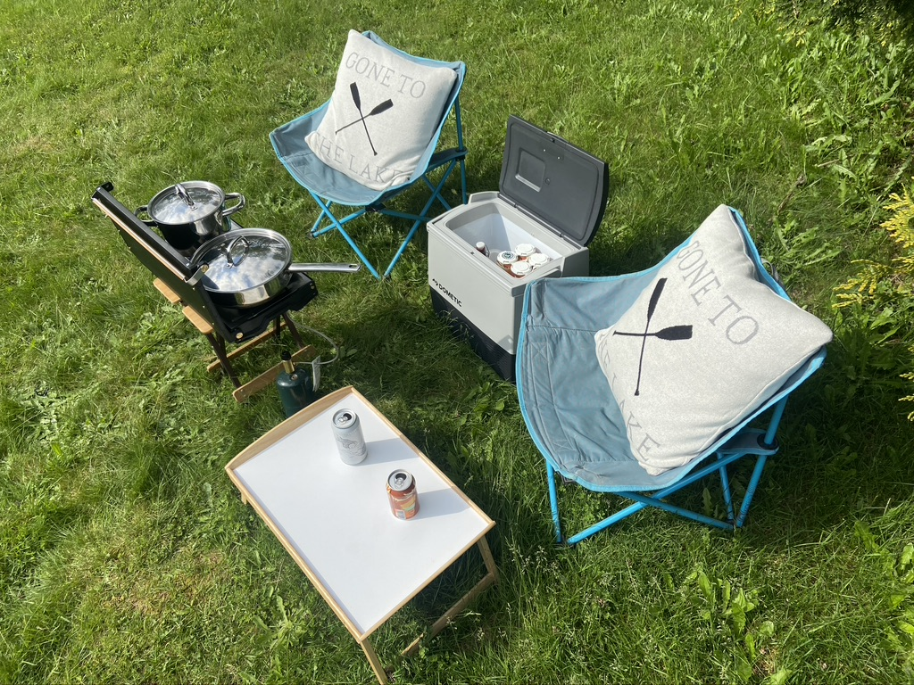 Camping with Droplet Accessories Functionality